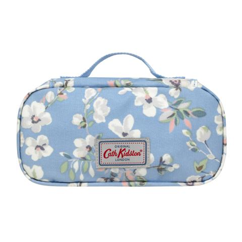 FEEDING POUCH WELLESLEY BLOSSOM SOFT BLUE